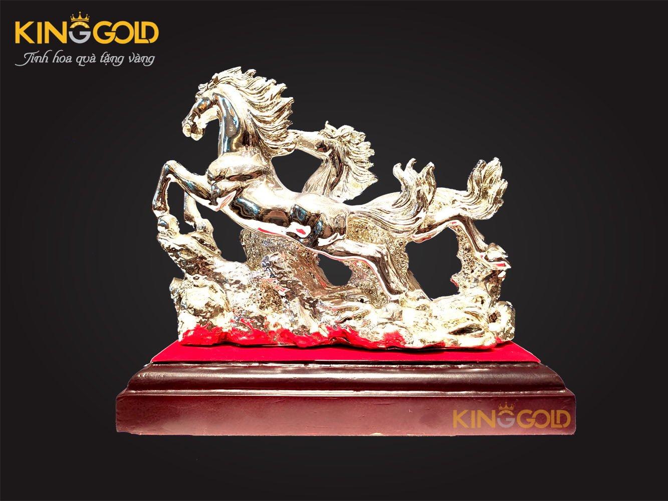 Tượng ngựa mạ bạc, ý nghĩa tượng ngựa trong phong thủy