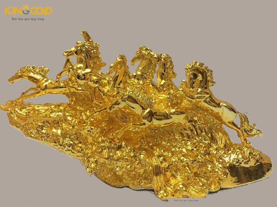 Tượng bát mã dát vàng và ý nghĩa phong thủy