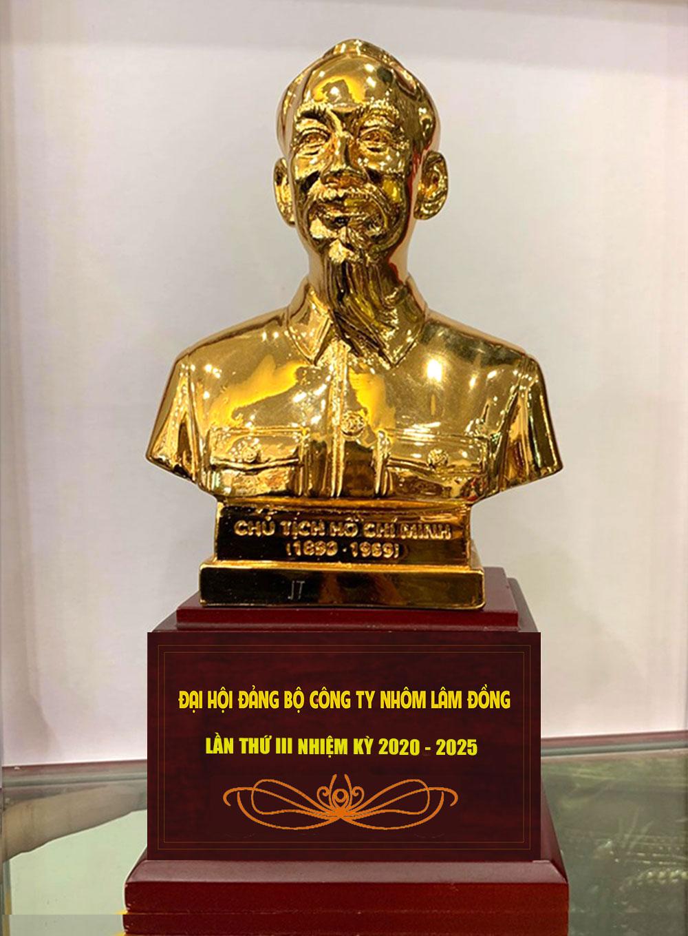 Tượng Bác hồ làm quà Đại hội Đảng ý nghĩa nhiệm kỳ 2020 – 2025