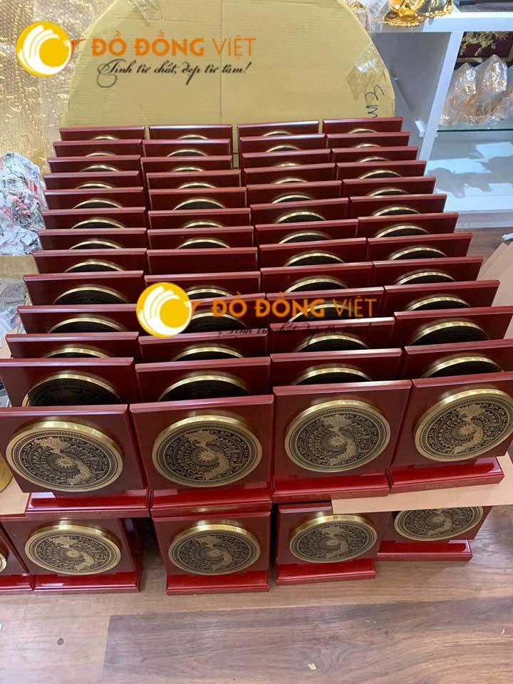 Cửa hàng bán quà tặng trống đồng, mặt trống đồng tại Hà Nội