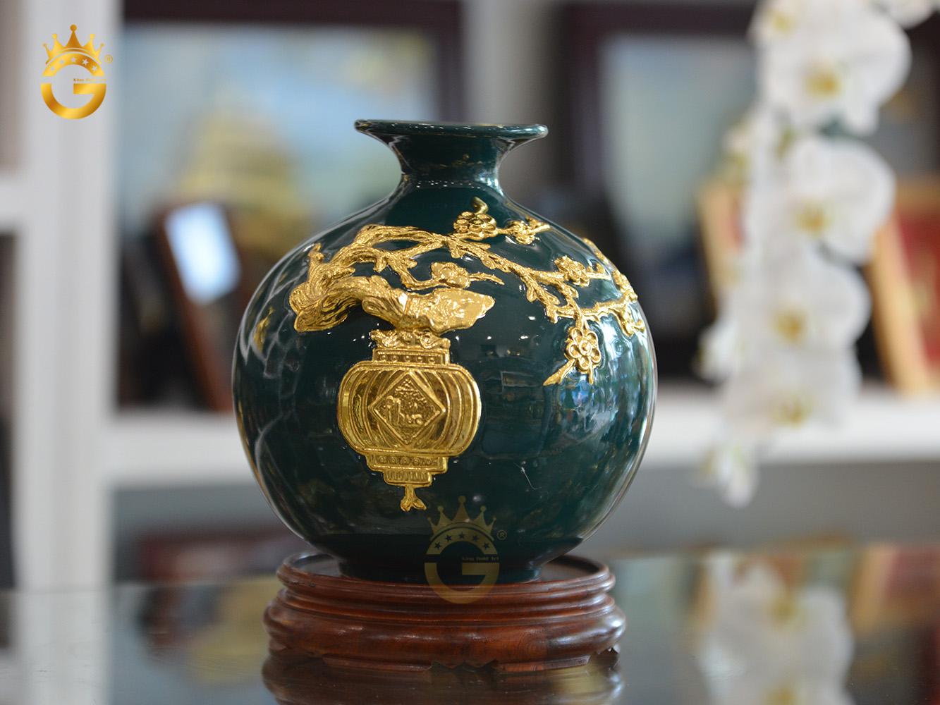 Bình hút tài lộc men xanh thiên lam dát vàng làm quà tặng cuối năm cho khách hàng VIP